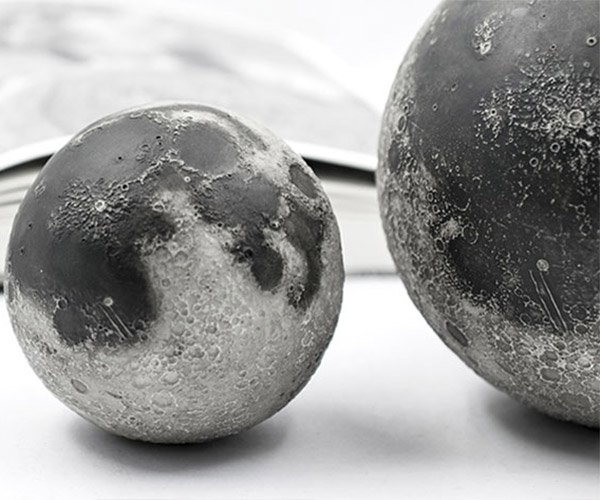 Deal: LUNAR AR Moon Models