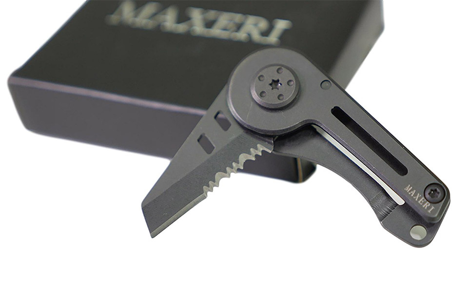 Maxeri Compact Pocket Knife