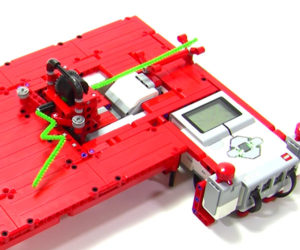 Pipe Cleaner Bending LEGO Robot