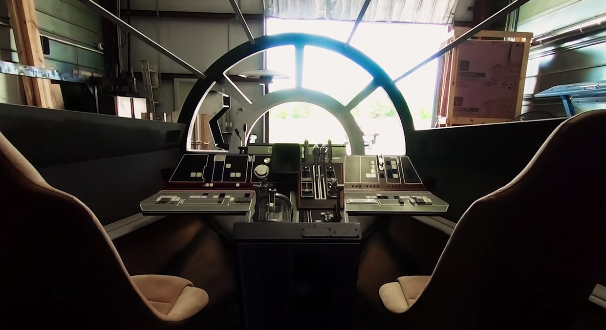 Millennium Falcon Cockpit Replica