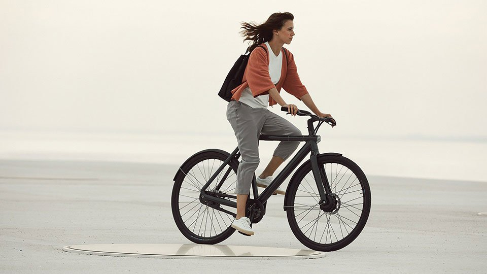 The VanMoof Electrified S2 Has a Stealth Lock and Alarm System