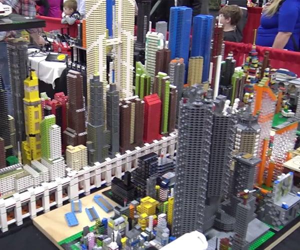 Incredible LEGO Micro City