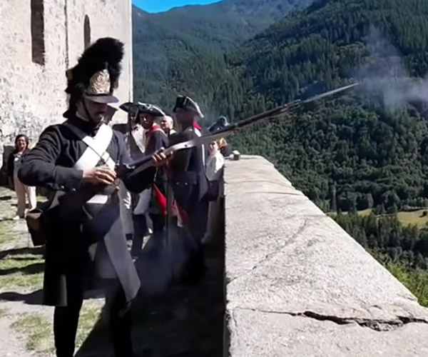 Paper Planes: Musket Edition