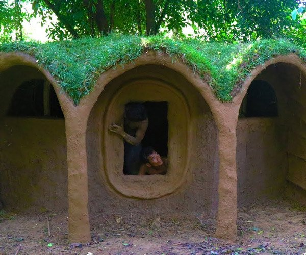Building a Primitive Hobbit Hut