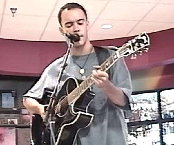 Dave Matthews at the Blockbuster