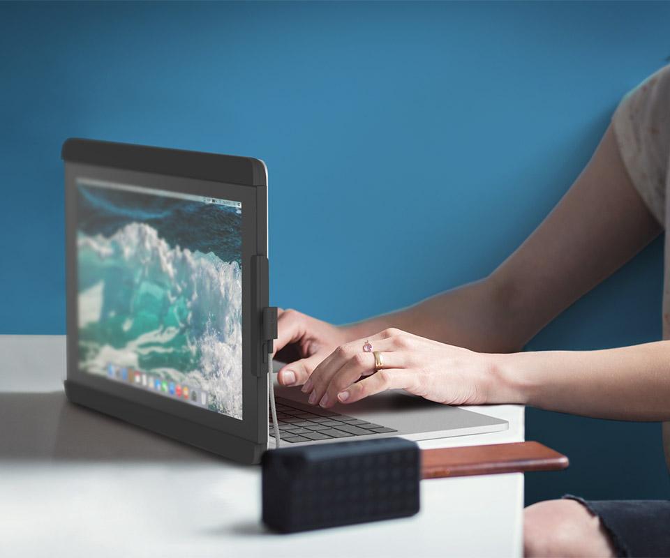 Mobile Pixels Duo Laptop Monitor