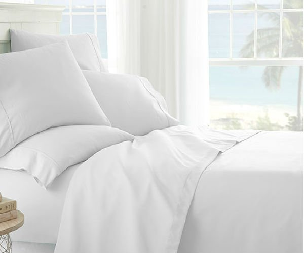 Deal: 6-Piece White Sheet Set