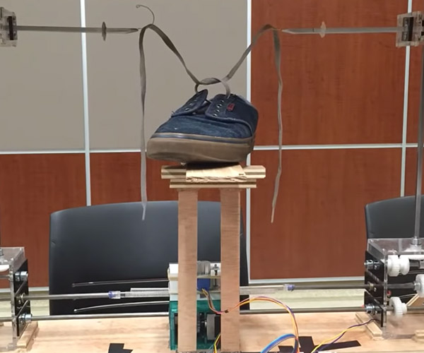 Shoe-tying Robot