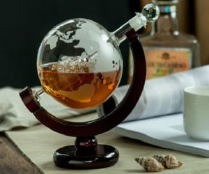 Eravino Whiskey Globe Decanter