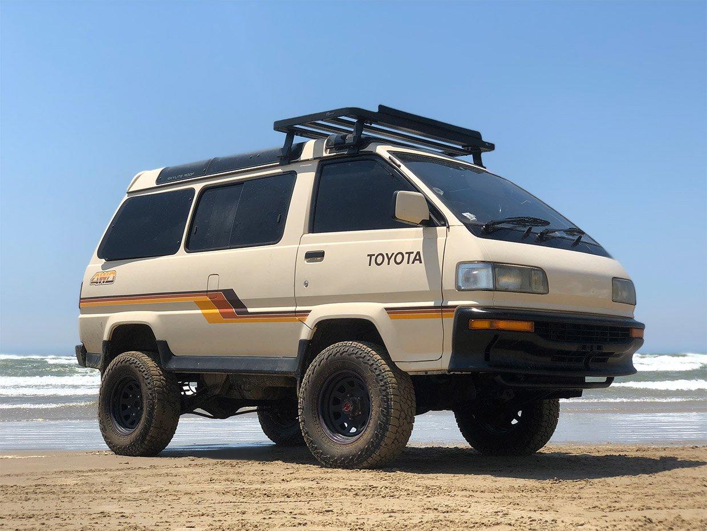 Toyota Mega Ace II Minivan