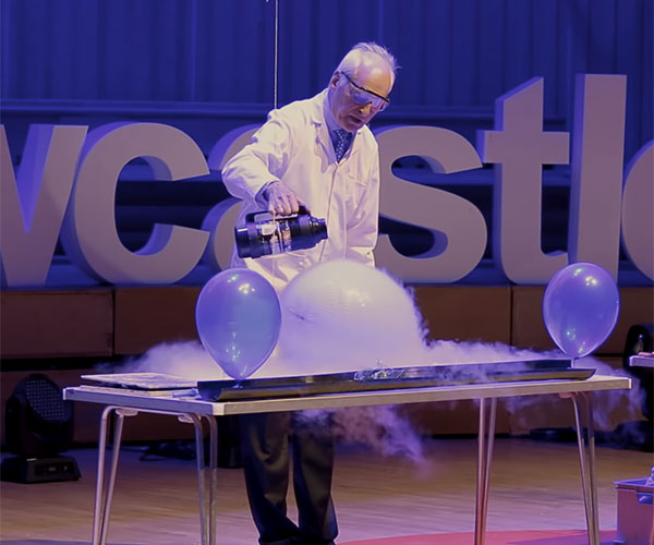 25 Chemistry Experiments in 15 Minutes