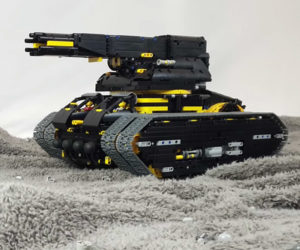 Transforming LEGO Howitzer Tank