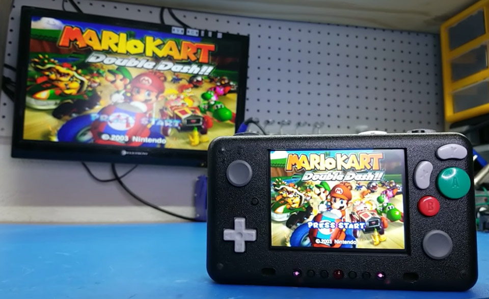 This DIY Portable Console Plays Games from Wii, GameCube and
