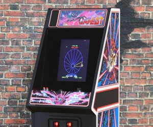 Cool arcade on The Awesomer
