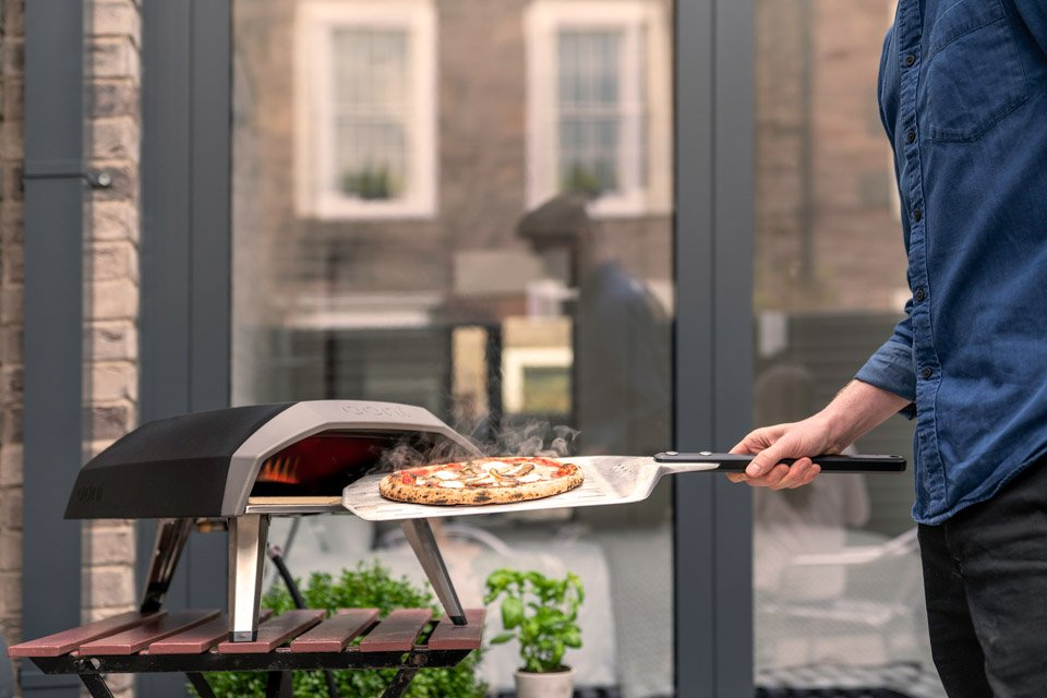 The Ooni Koda Pizza Oven Makes Thin Crust Pizzas In 60 Seconds