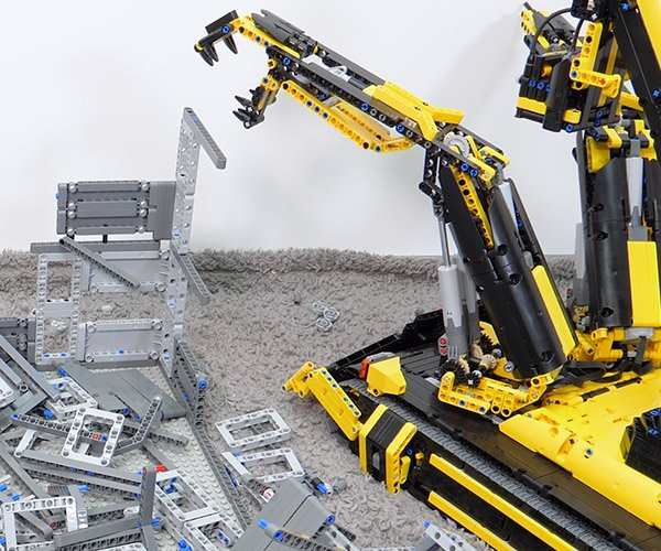 LEGO Demolition Machine