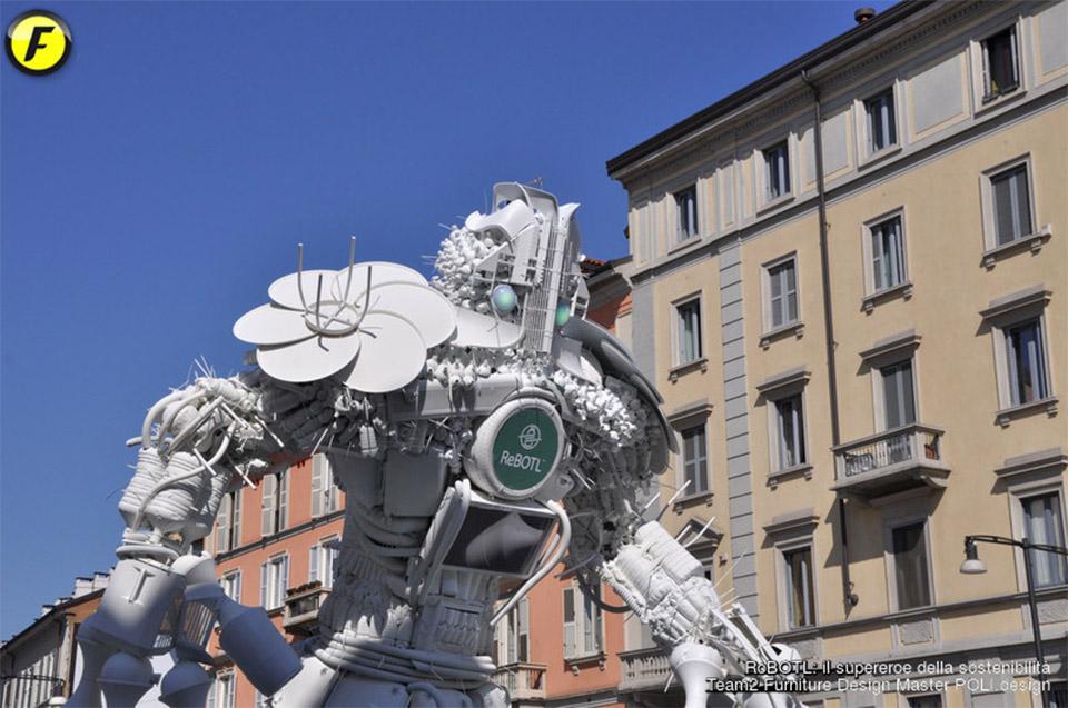 RoBOTL Robot Sculpture