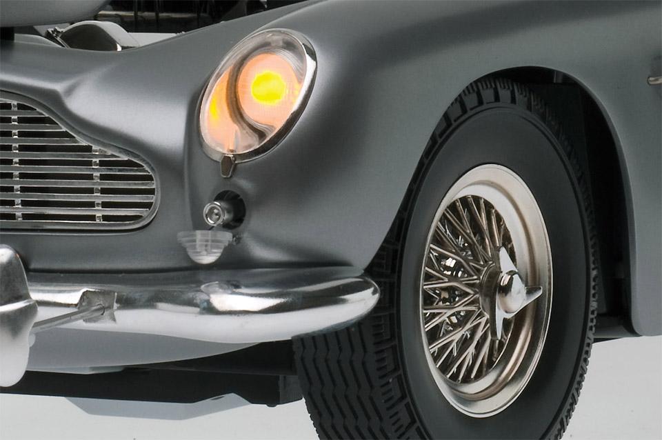 007 DB5 Build-up Model