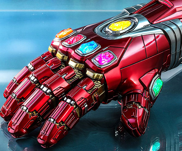 Hot Toys Iron Man Nano Gauntlet