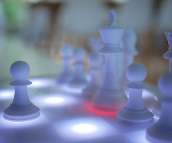 In2Chess Smart Chess Set