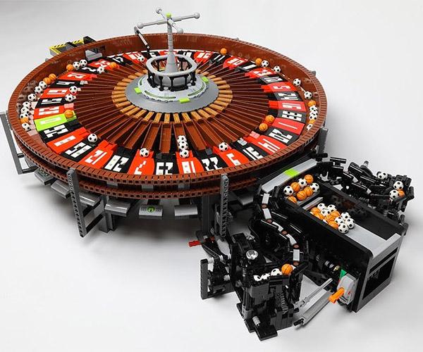 LEGO Roulette Machine