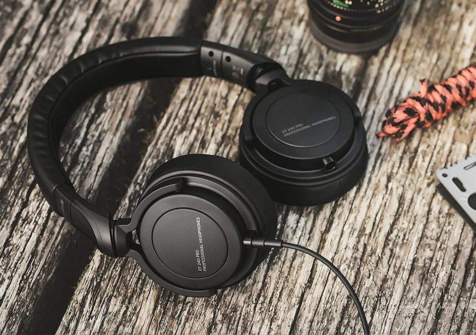 DT 240 PRO Headphones