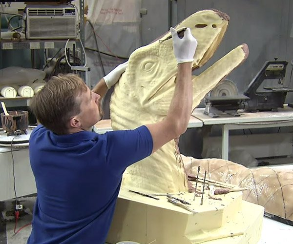 How Animatronic Dinosaurs are Made