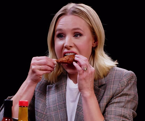Kristin Bell vs. Hot Wings