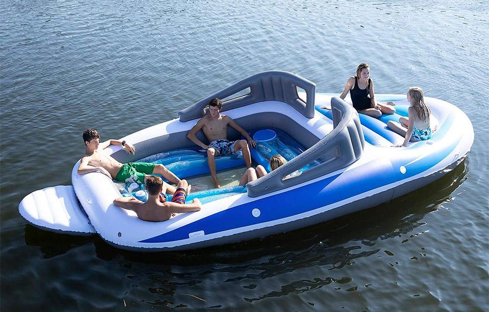 Speedboat Float