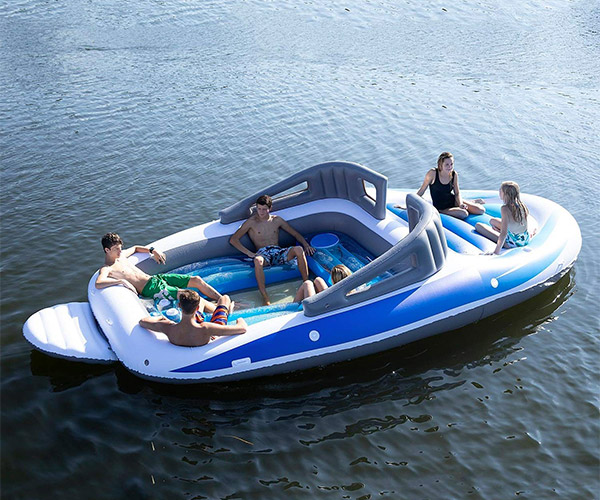 Speedboat Float