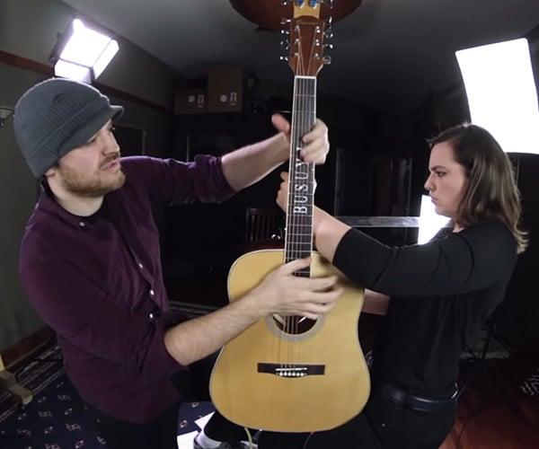 2 Musicians, 1 Guitar