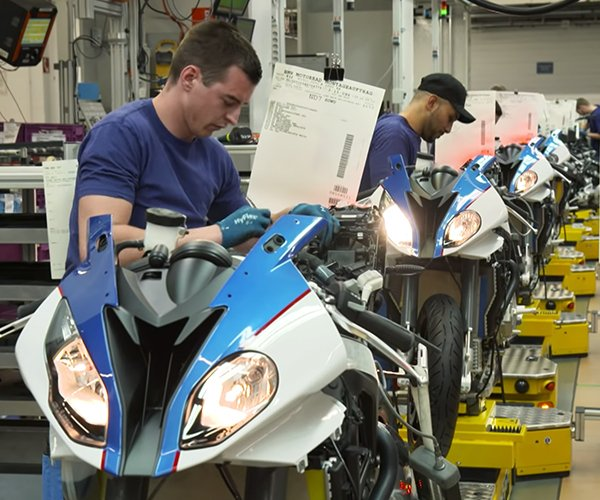 Inside the BMW Motorbike Factory
