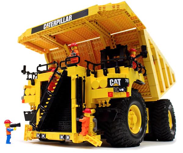 LEGO Caterpillar Dump Truck