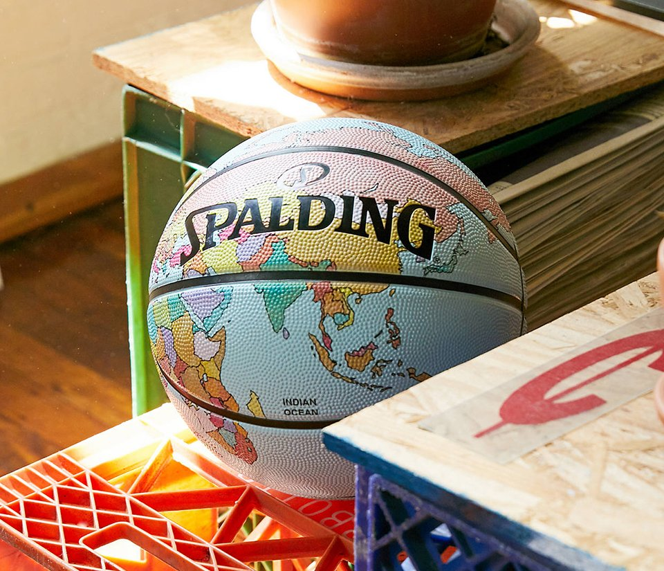 Spalding Globe Basketball