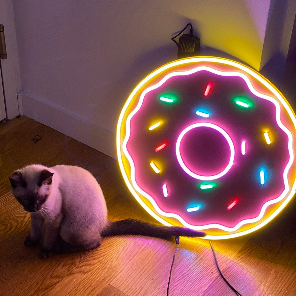 Light-up Donut Sign