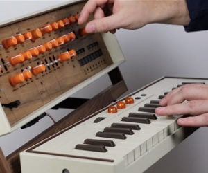Carrier37 Synthesizer