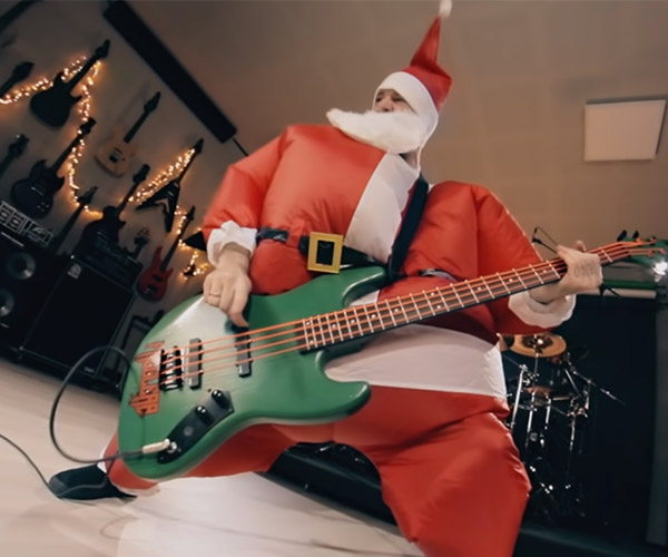 I Saw Mommy Kissing Metal Claus