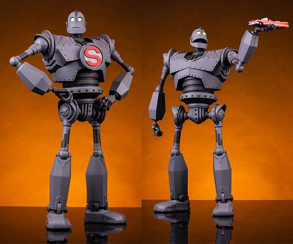 Iron Giant Mondo Mecha Figure