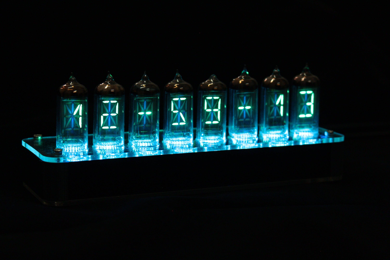 NIXT IV-17 VFD Clock