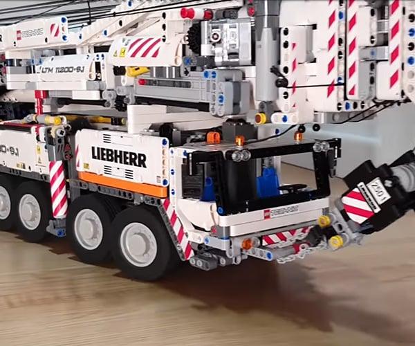 Epic LEGO Crane