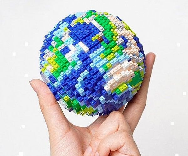 AstroReality 3D Pixel Earth