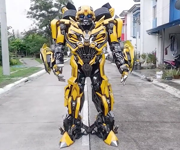 Awesome Bumblebee Cosplay