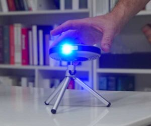 Lenso Space Pocket Projector