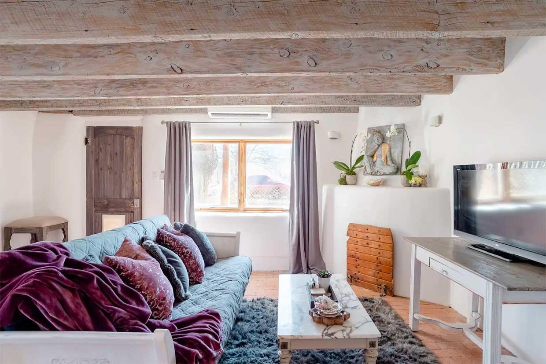 Pet-Friendly Enlightened Cottage