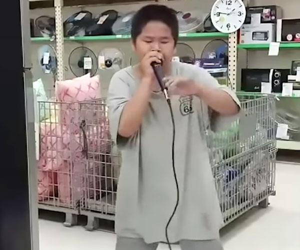 Department Store Beatbox Kid