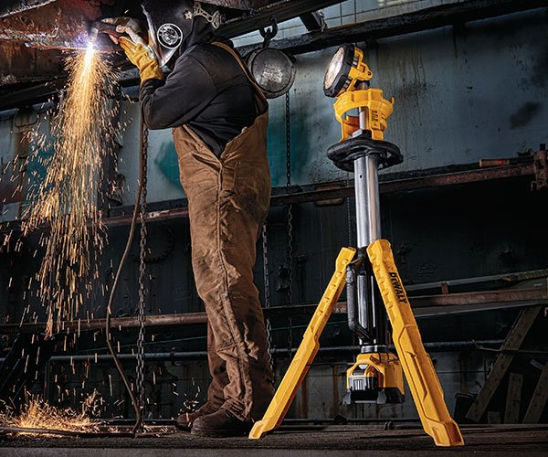 DeWalt 20V MAX Cordless Tripod Light
