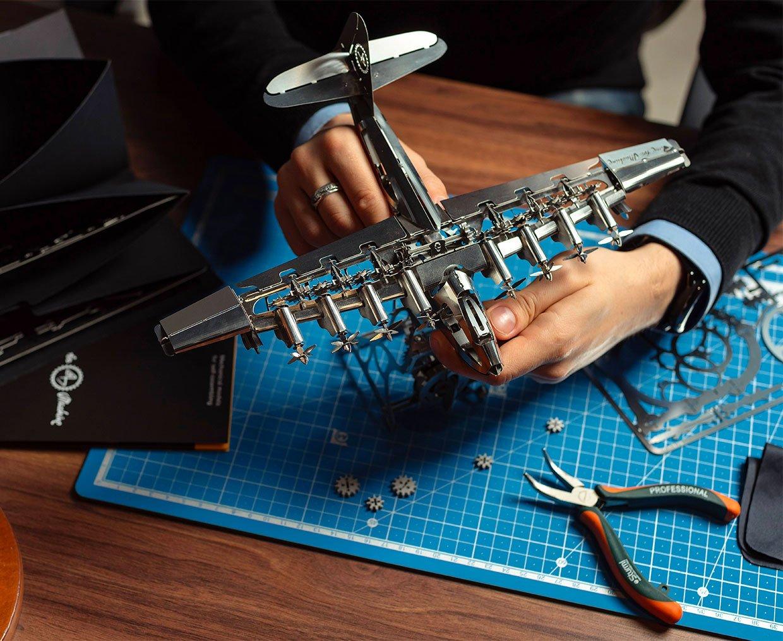 Heavenly Hercules Airplane Metal Model Kit