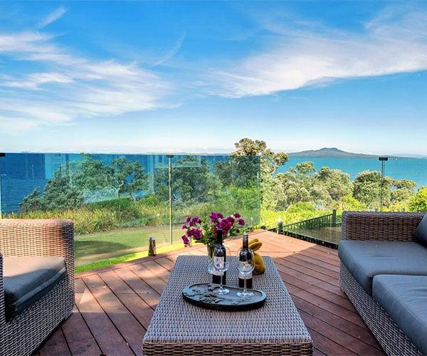 New Zealand Clifftop Villa