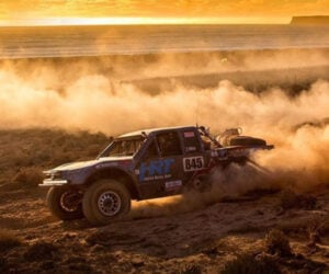 Race Motion: Baja