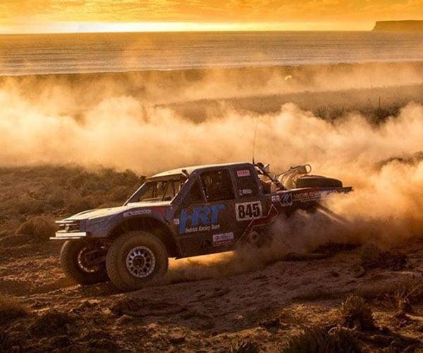 Race Motion: Baja